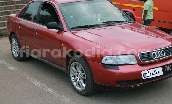 Acheter Occasion Voiture Audi A4 Rouge à Antananarivo au Analamanga