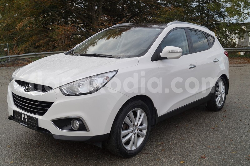 Big with watermark hyundai ix35 1
