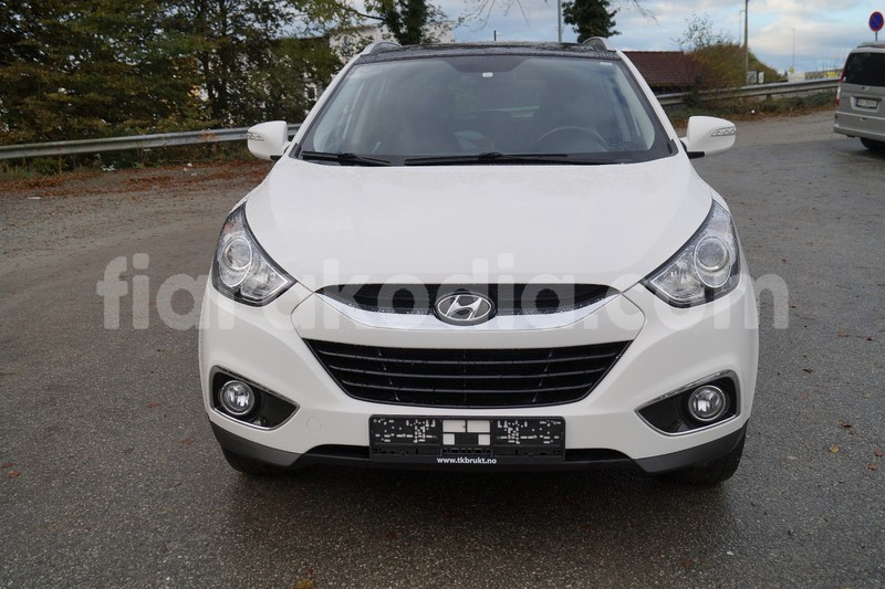 Big with watermark hyundai ix35 2