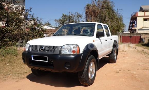 Acheter Occasion Voiture Nissan 720 Blanc à Antananarivo, Analamanga