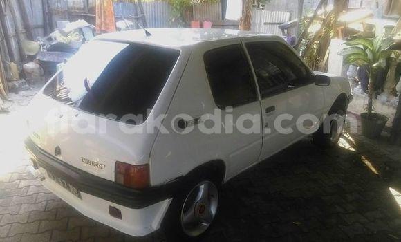 Acheter Occasion Voiture Peugeot 205 Blanc à Mahajanga, Boeny