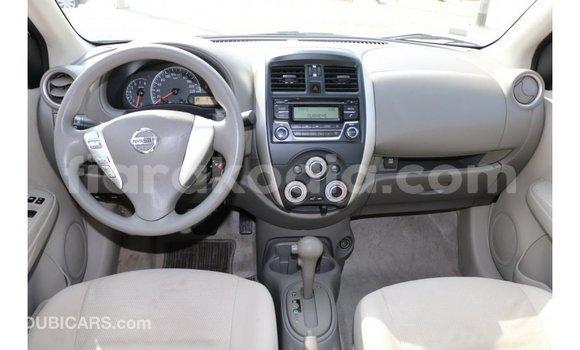 Acheter Importé Voiture Nissan Sunny Blanc à Import - Dubai, Diana