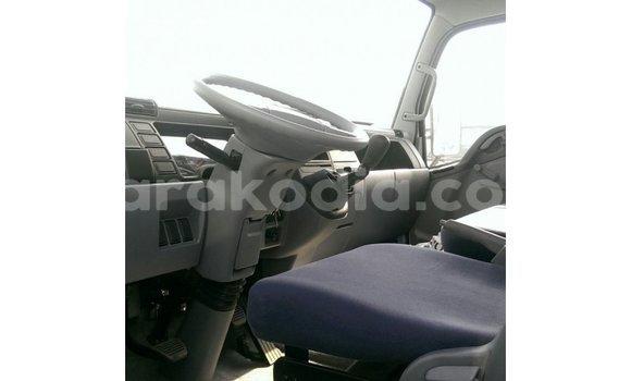 Acheter Importé Utilitaire Mitsubishi L400 Blanc à Import - Dubai, Diana