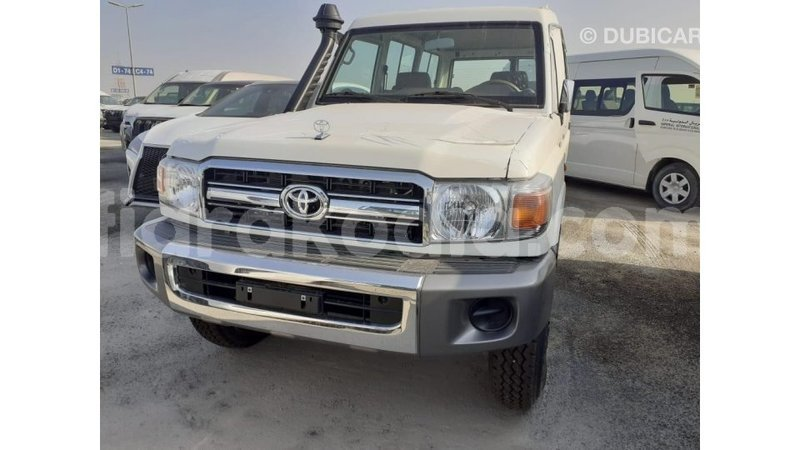 Big with watermark toyota land cruiser diana import dubai 6638