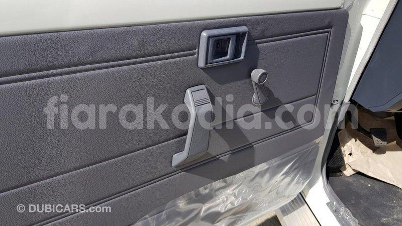Big with watermark toyota land cruiser diana import dubai 6639