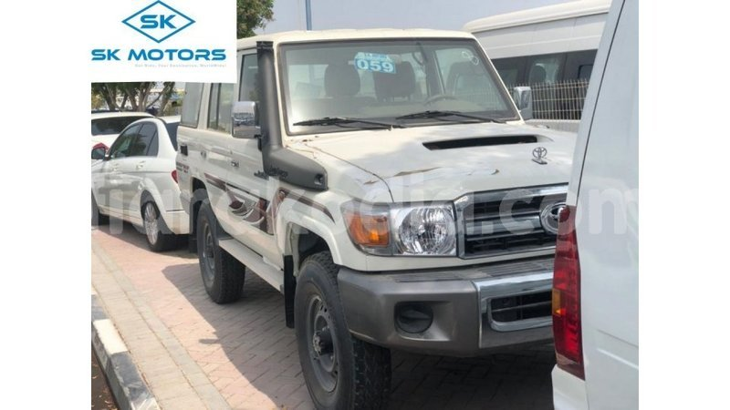 Big with watermark toyota land cruiser diana import dubai 6685