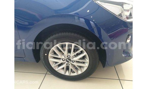 Acheter Importé Voiture Kia Rio Bleu à Import - Dubai, Diana