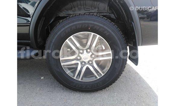 Acheter Importé Voiture Toyota Fortuner Noir à Import - Dubai, Diana