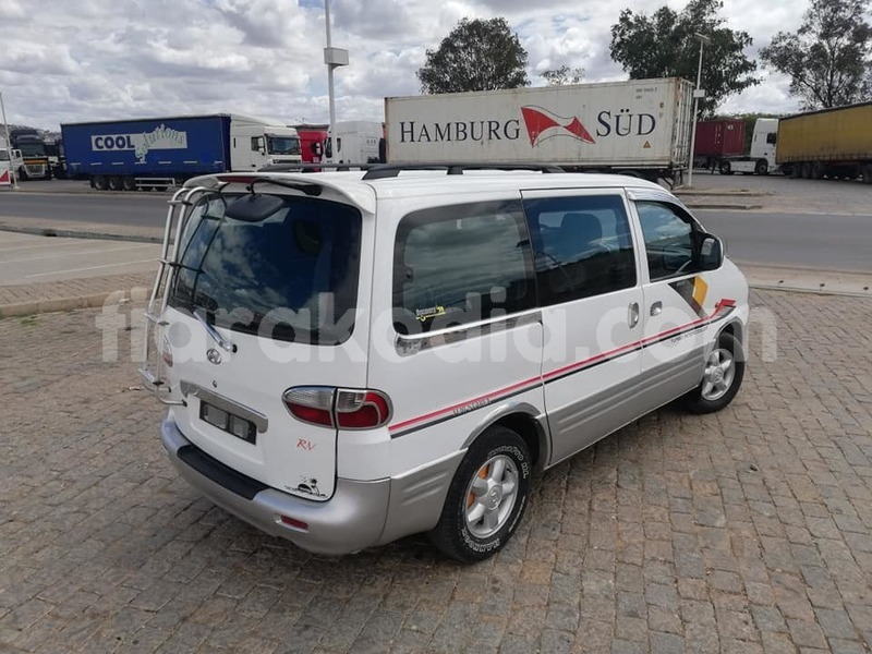Big with watermark hyundai starex analamanga antananarivo 6820
