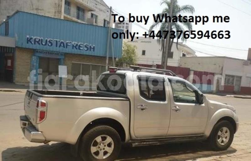 Big with watermark nissan navara analamanga antananarivo 6885
