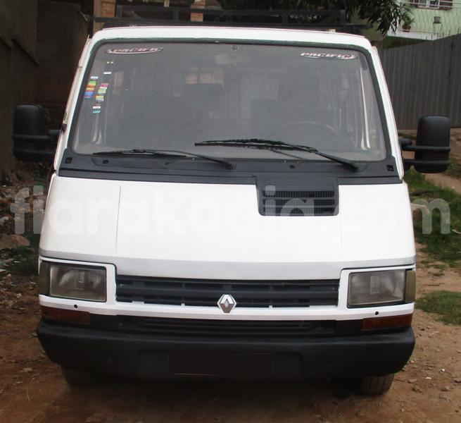 Big with watermark renault trafic analamanga antananarivo 6942