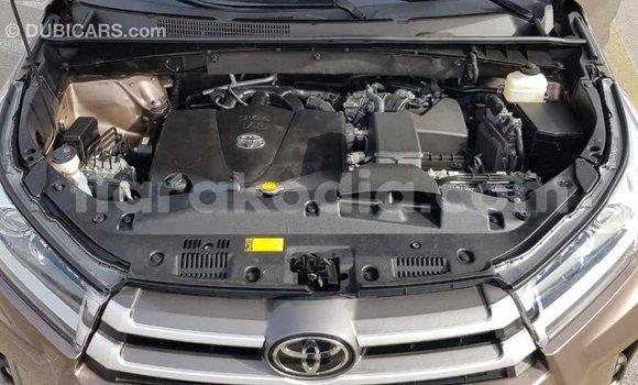 Acheter Importé Voiture Toyota Highlander Marron à Import - Dubai, Diana