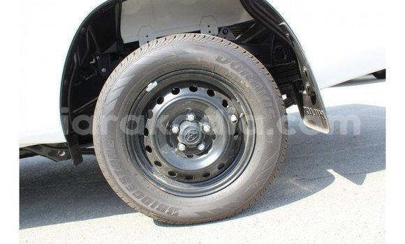 Acheter Importé Voiture Toyota Hilux Blanc à Import - Dubai, Diana