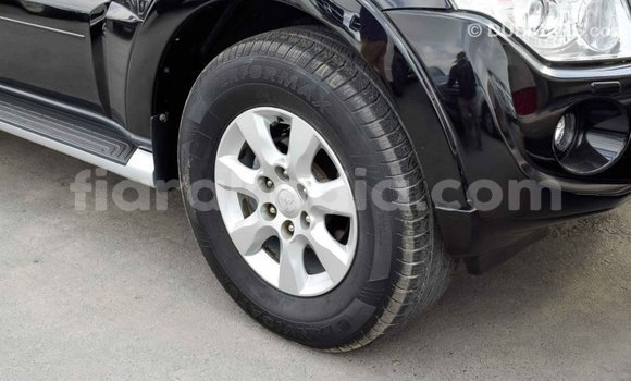 Acheter Importé Voiture Mitsubishi Pajero Noir à Import - Dubai, Diana