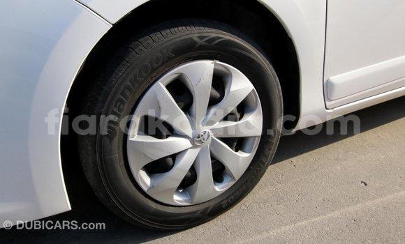 Acheter Importé Voiture Toyota Yaris Blanc à Import - Dubai, Diana
