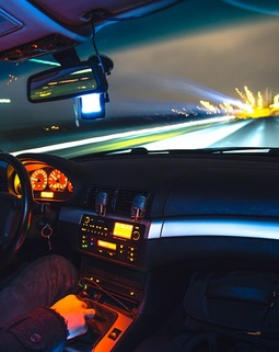 Thumb driving 933281 960 720